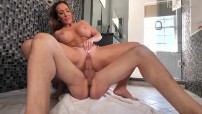 Richelle Ryan Milf Shower