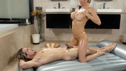 Alexis Fawx Wet Bath and Massage Fuck